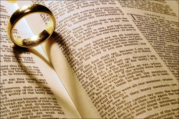 wedding rings and bible-noqH